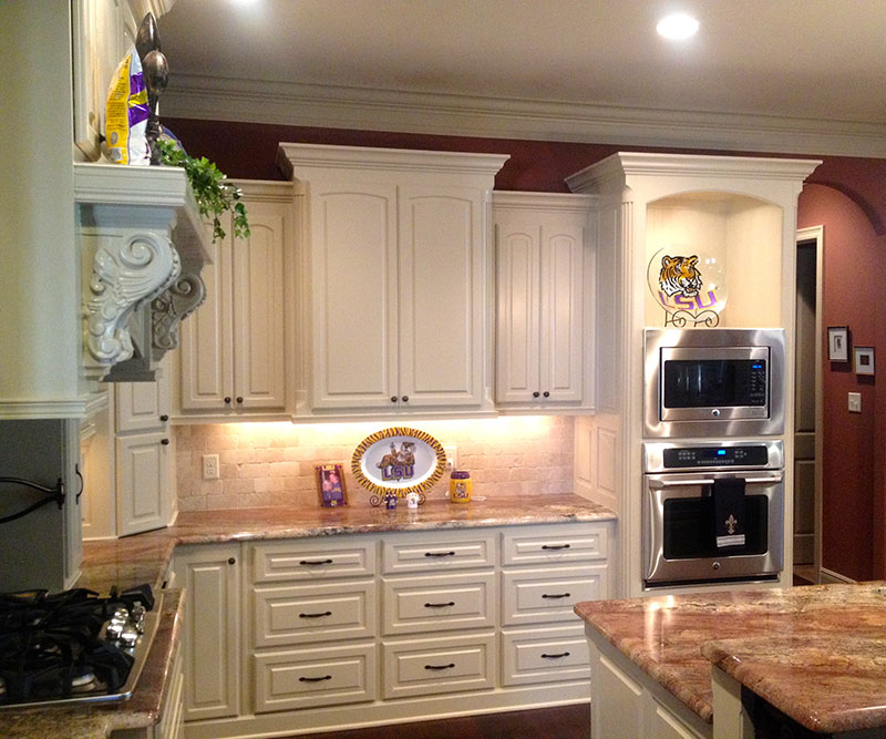 Custom Kitchen Cabinet Makers: Bailey's Custom Cabinets